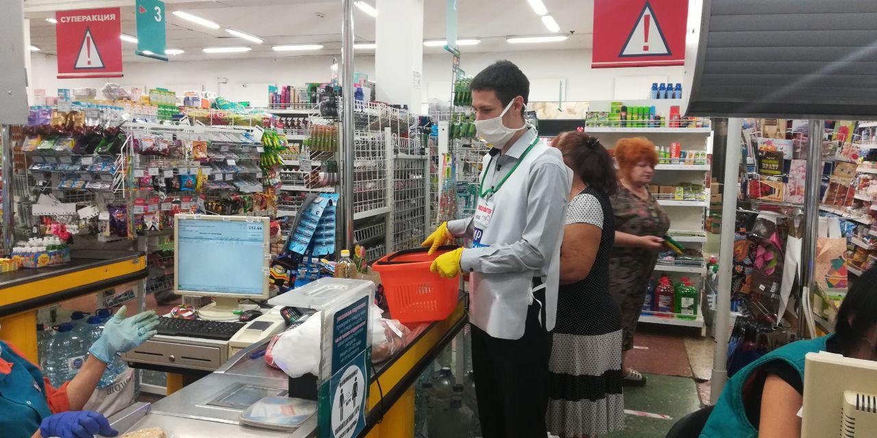 Первомайские волонтёры оказали помощь двум жительницам города