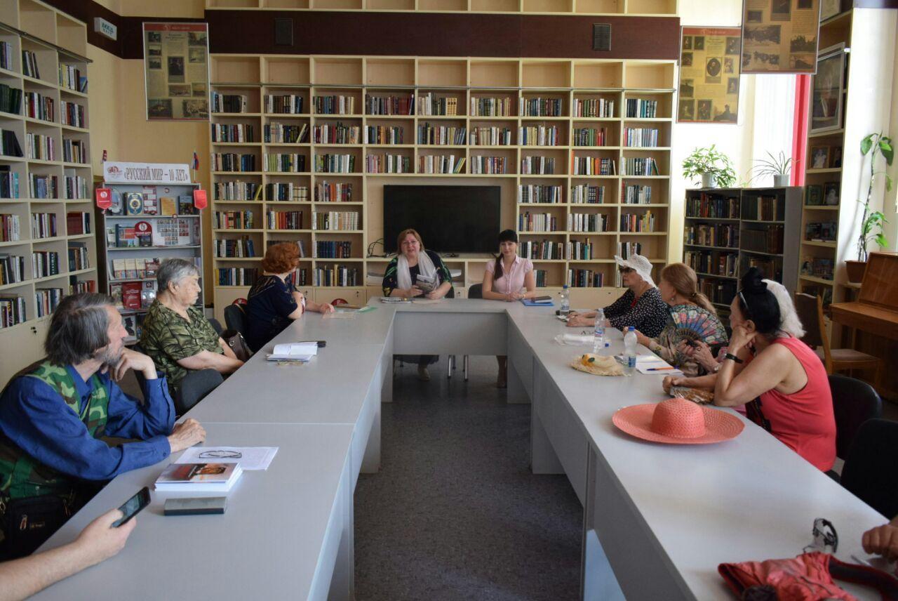 Александра Коваленко посетила литературно-духовные чтения православного объединения «Свете Тихий»