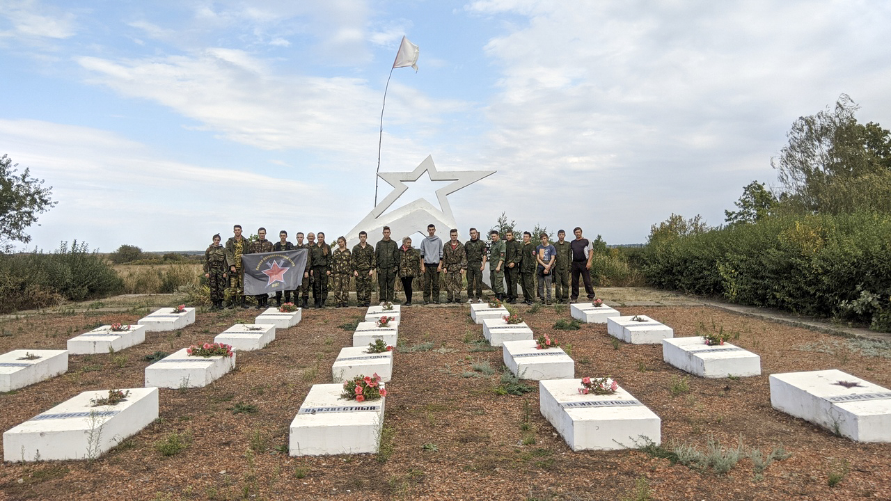 Лутугинские активисты ОД «Мир Луганщине» посетили места боевой славы