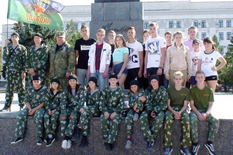 Поздравить Луганск с днём города приехали активисты из Свердловска 2