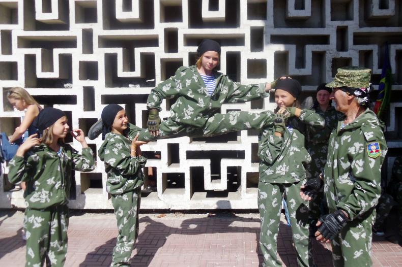Поздравить Луганск с днём города приехали активисты из Свердловска