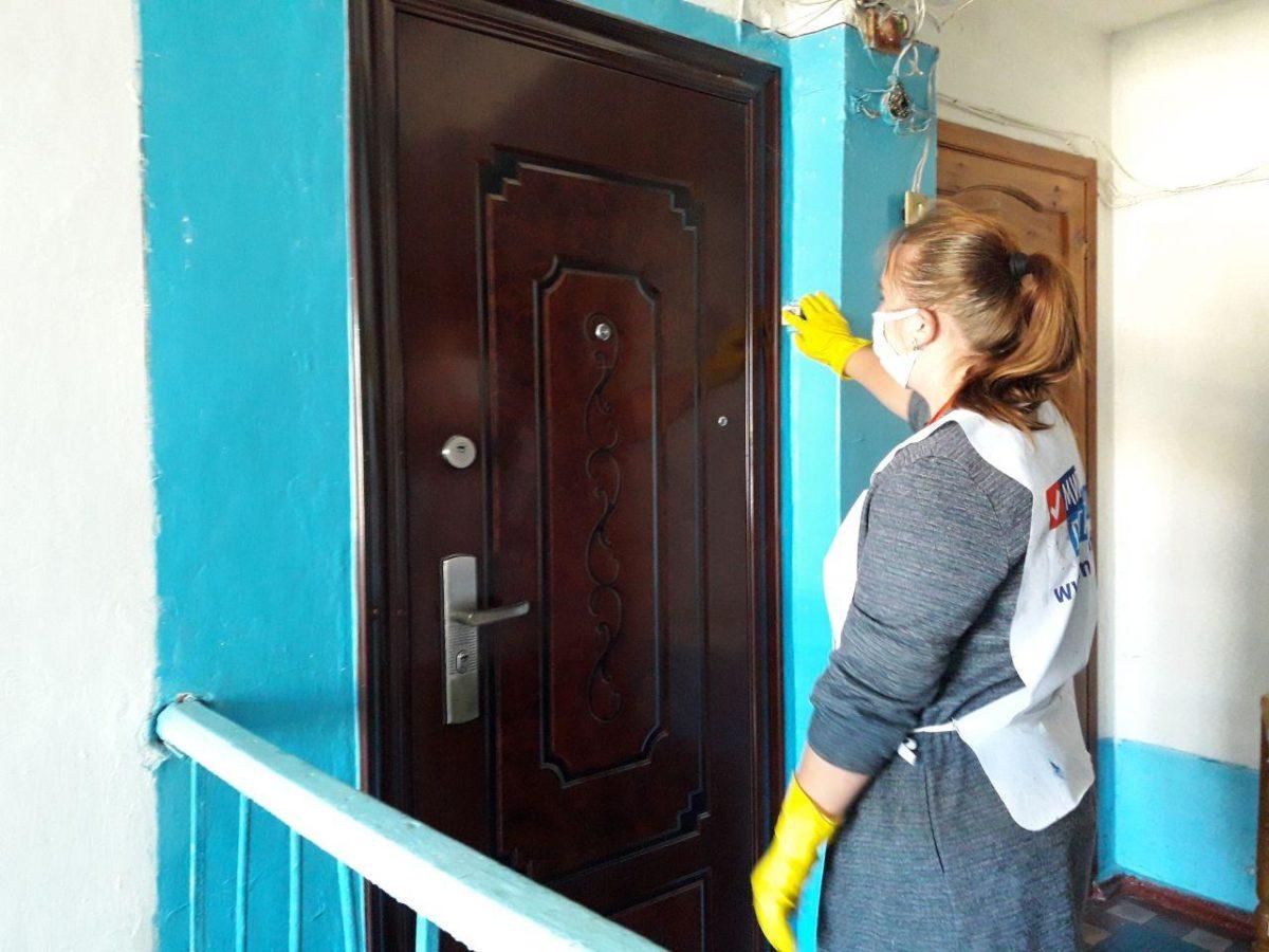 Волонтёры акции «Рука помощи» помогли жительнице Кировска 1