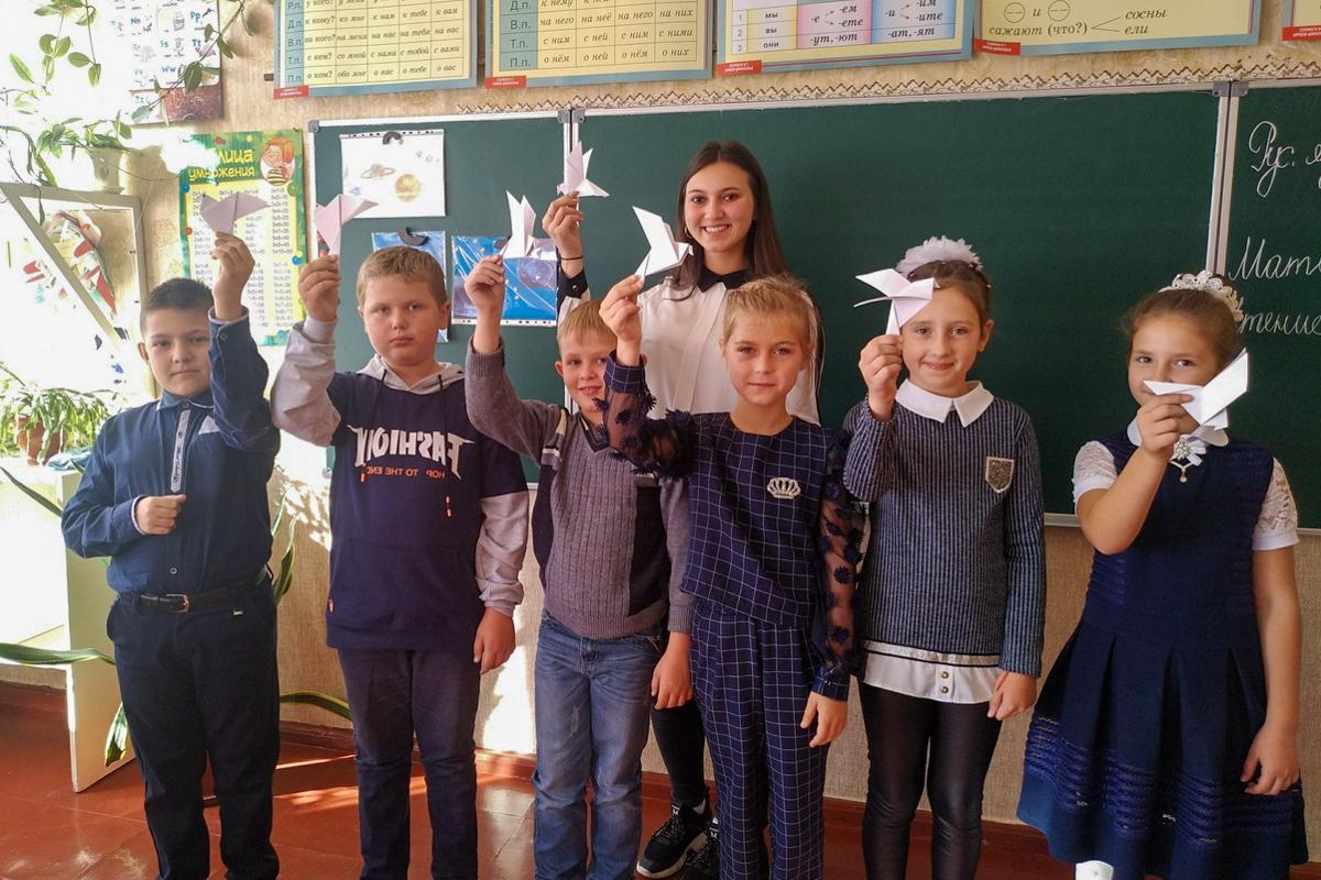 Молодёжь Перевальского района провела акцию, посвящённую Международному Дню мира «Молодёжь выбирает мир» 1
