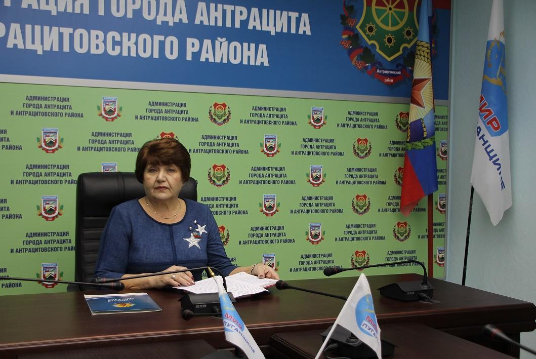 Депутат Елена Рахмукова решить проблему ЖКХ в посёлке Ивановка Антрацитовского района