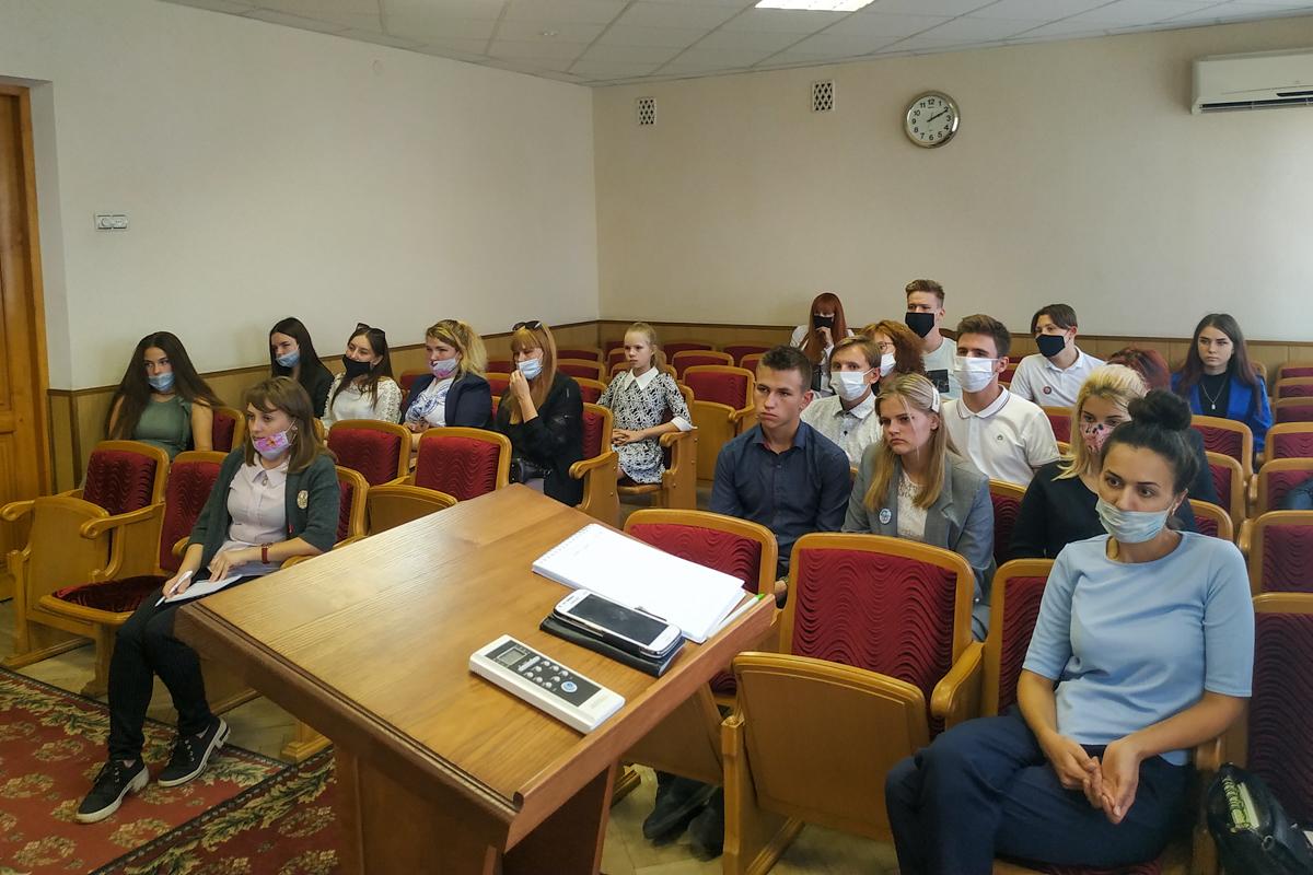 В Свердловске состоялась встреча активистов с главой администрации Свердловска и Свердловского района Андреем Сухачёвым