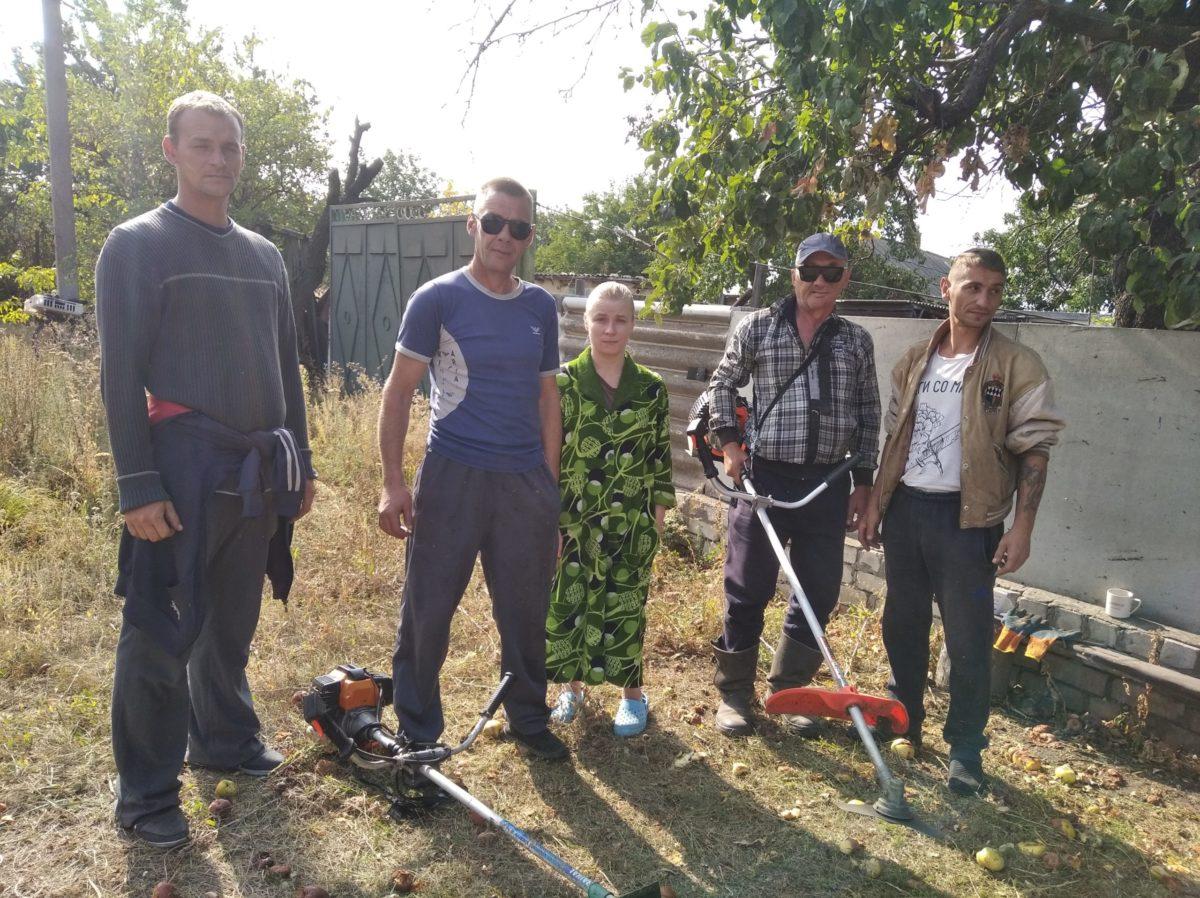 В Самсоновке активисты оказали помощь инвалиду