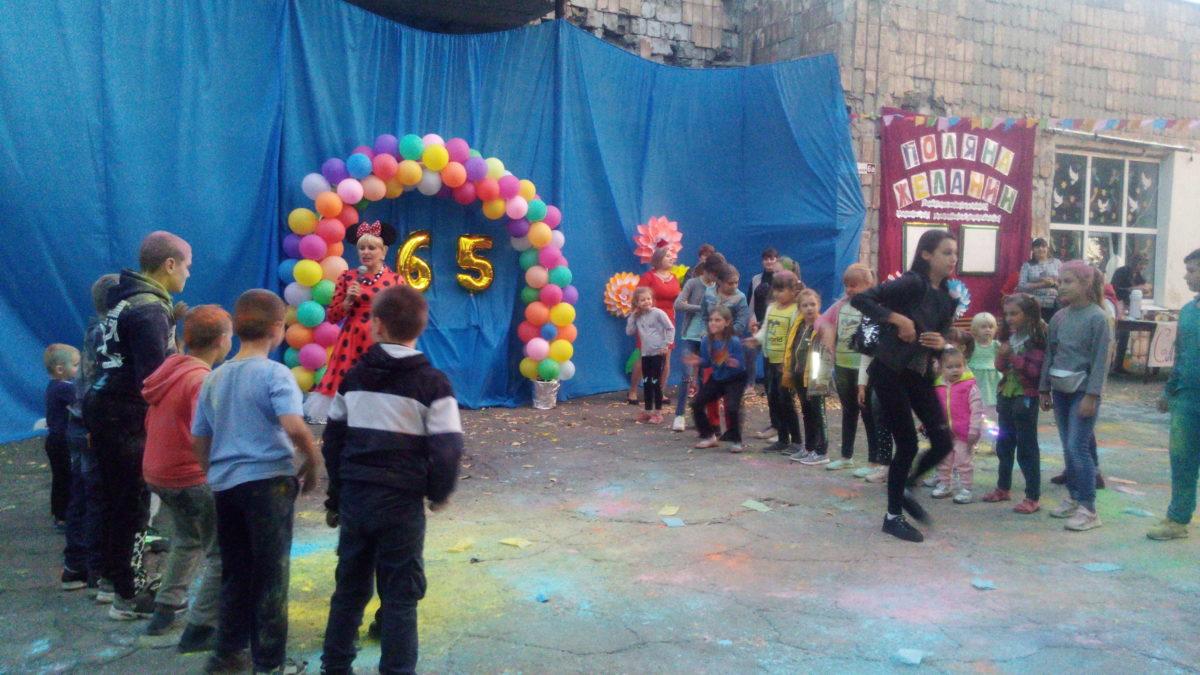 Жители Байрачек Перевальского района отметили 65-летие со Дня создания посёлка