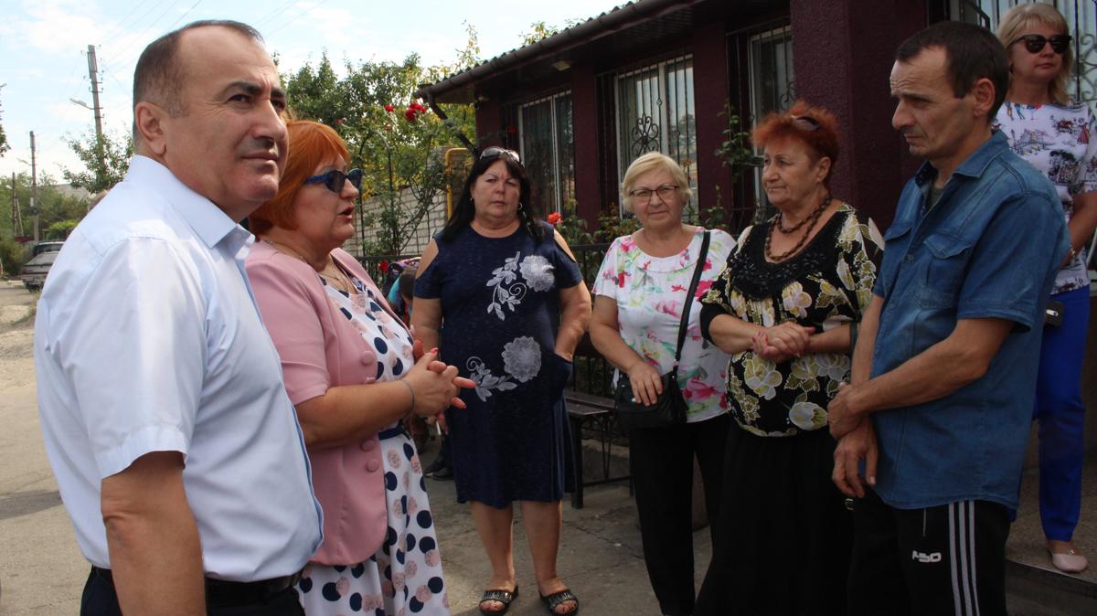 В ОД «Мир Луганщине» помогли установить остановки общественного транспорта для жителей Луганска 2