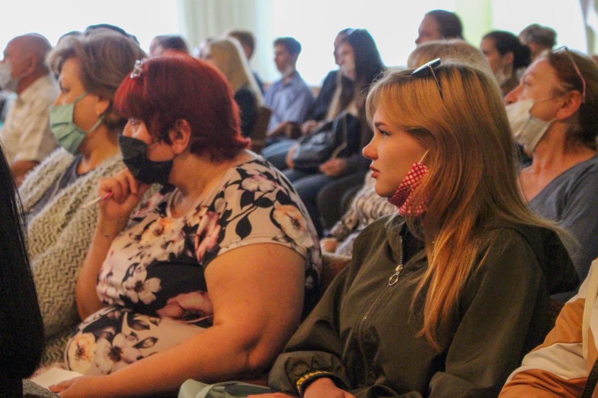 Студентам луганского колледжа презентовали проект «Мы помним!» 5