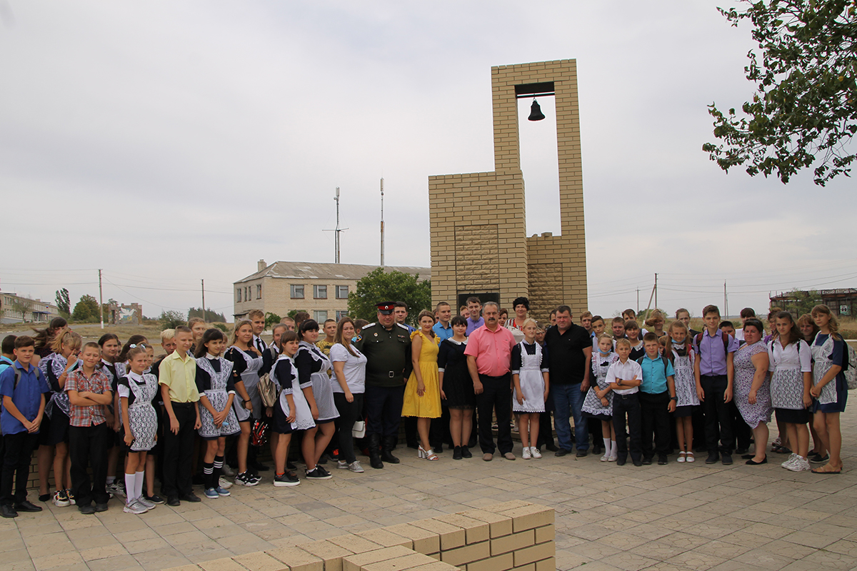В Антрацитовском районе почтили память погибших защитников Донбасса 3