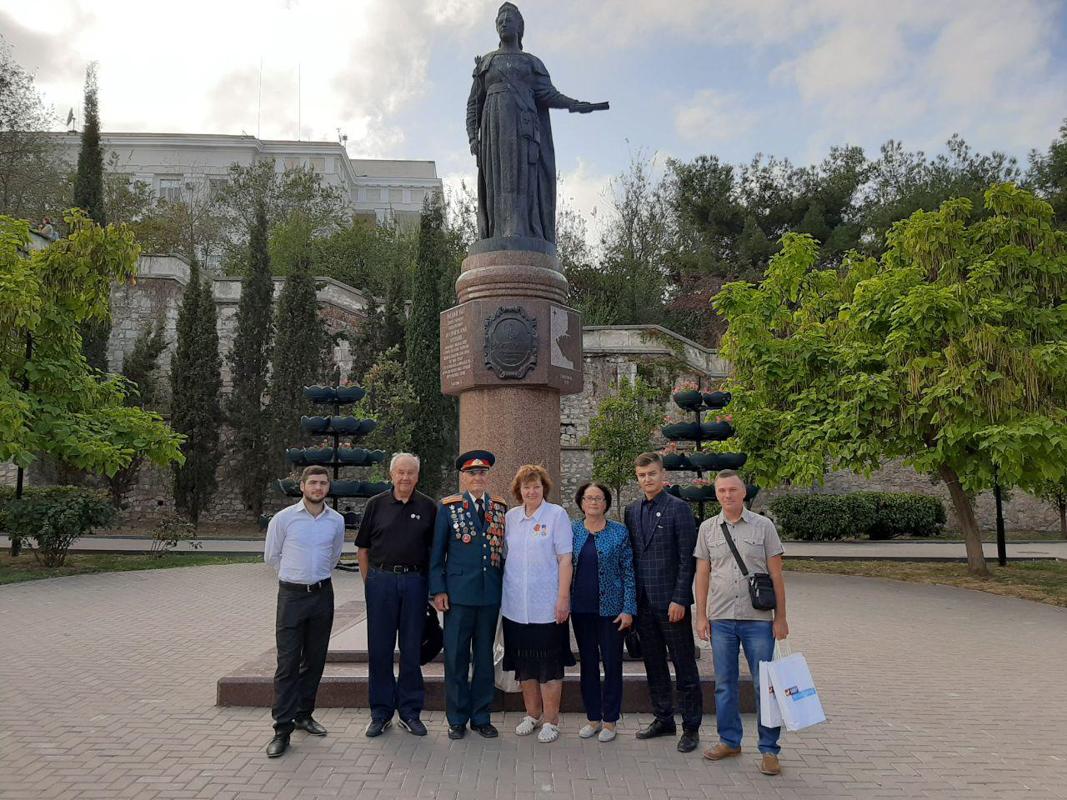 Активисты ОД «Мир Луганщине» приняли участие в военно-патриотическом фестивале городов-героев в Севастополе 5