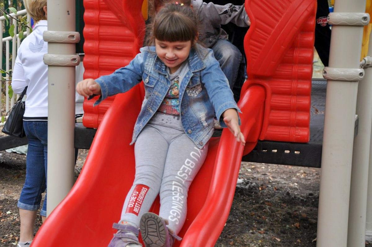 Новый развлекательный комплекс появился в Стахановском центре социальной реабилитации детей-инвалидов 3
