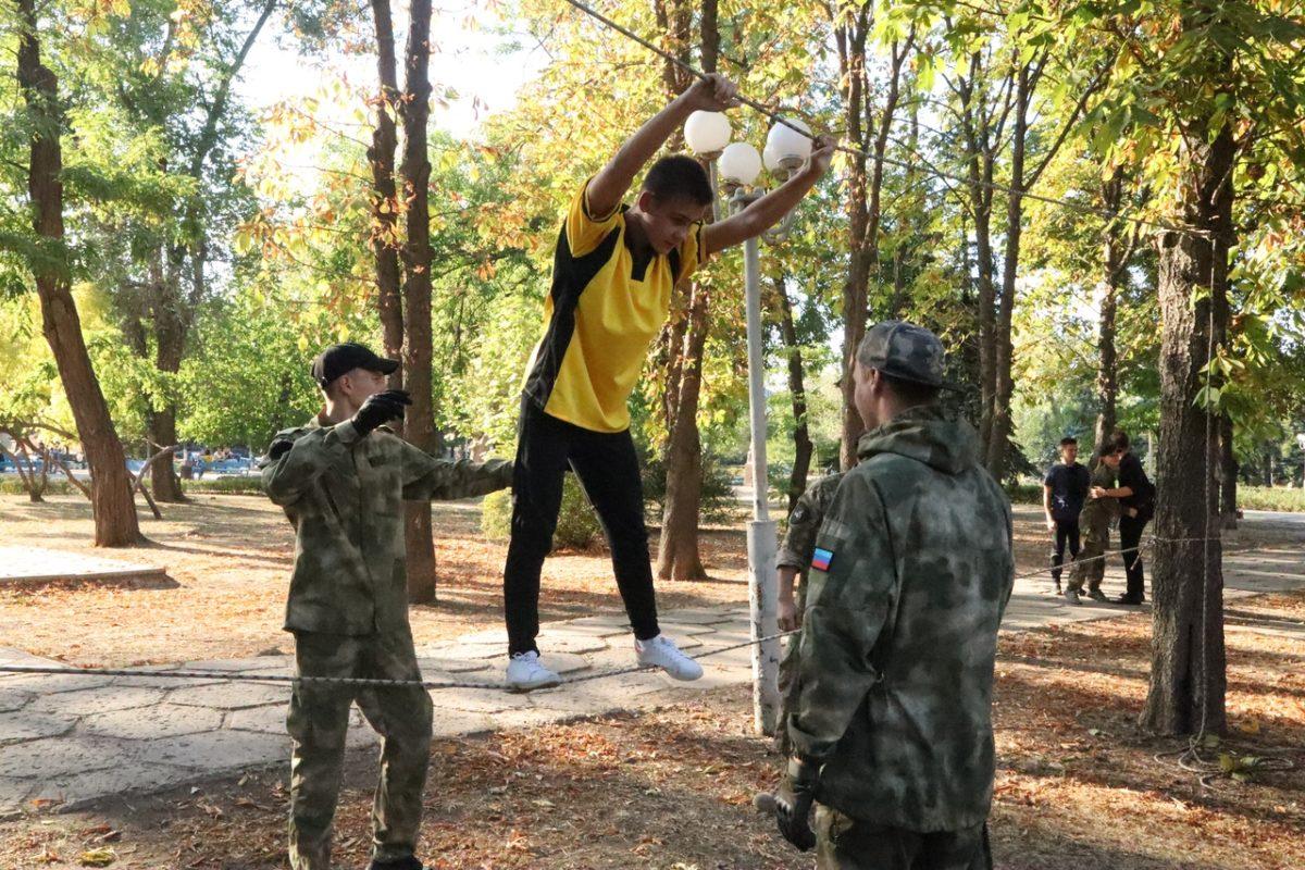 Активисты проекта «Доброволец» провели открытую тренировку для луганских школьников 3
