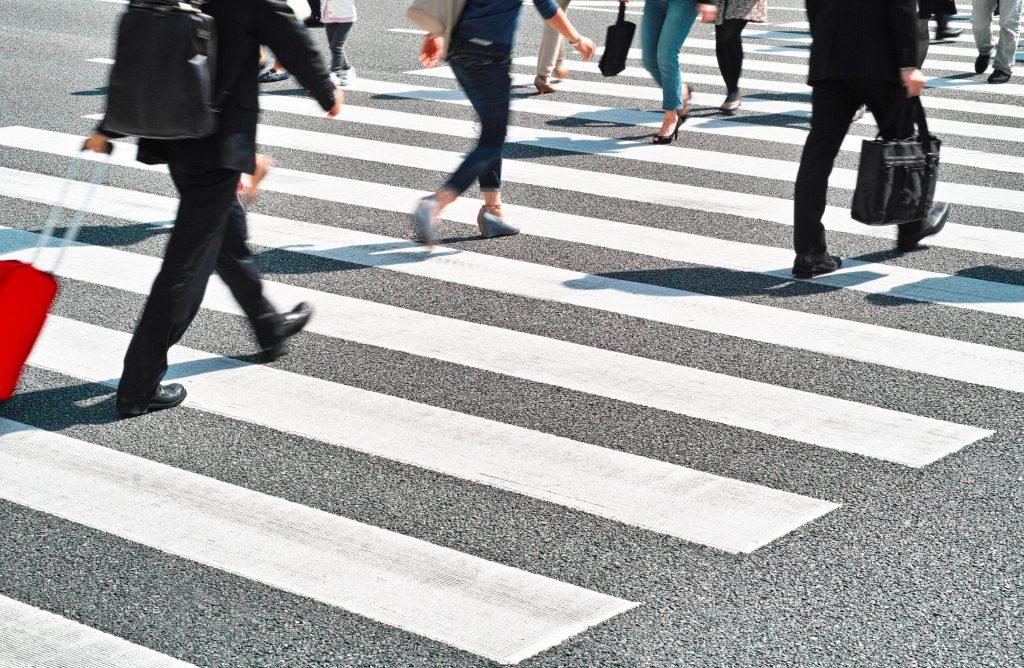 Водитель и пешеход: кто должен уступать дорогу?