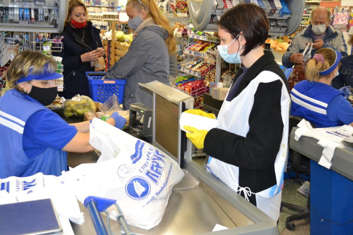 В рамках акции «Рука помощи» волонтёры помогли жительнице Ровеньков