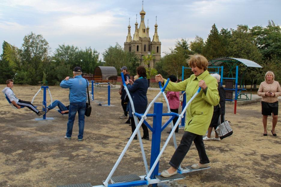 Участники Алчевской городской организации ветеранов приняли участие в открытии сквера имени Второго сентября 3