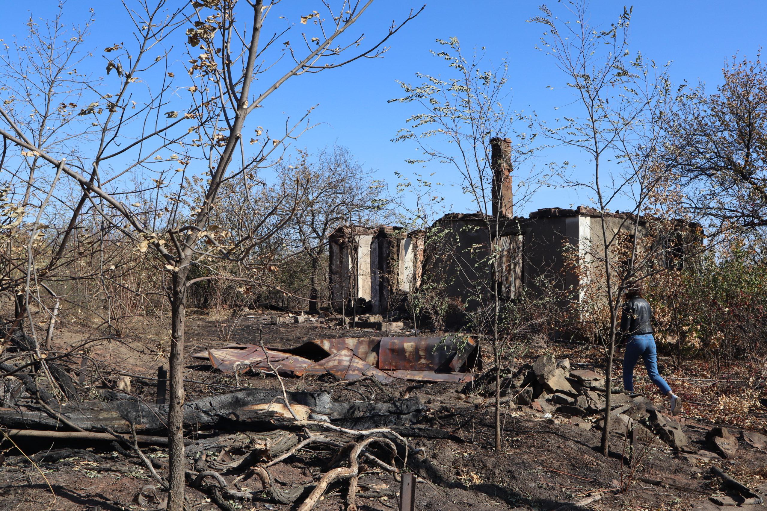Волонтёры привезли гуманитарную помощь жителям, пострадавшим от пожара в посёлке Энгельсово 5