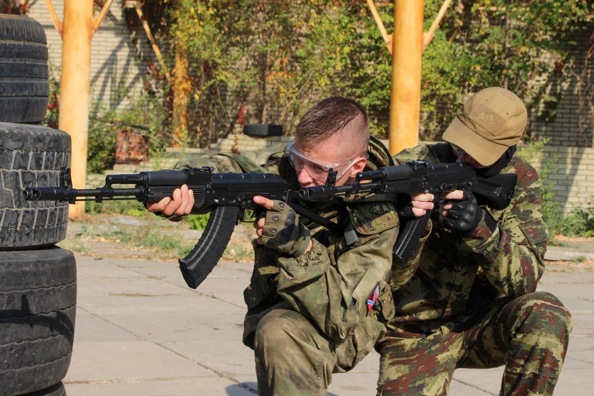 В Луганске прошло открытое занятие по страйкболу для активистов проекта «Доброволец» 4