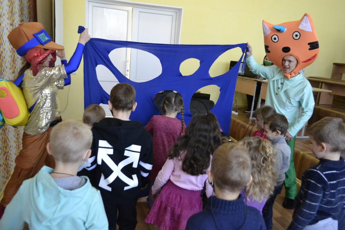Развлекательная программа для детей работников компании «Востокуголь» состоялась в городе Ровеньки