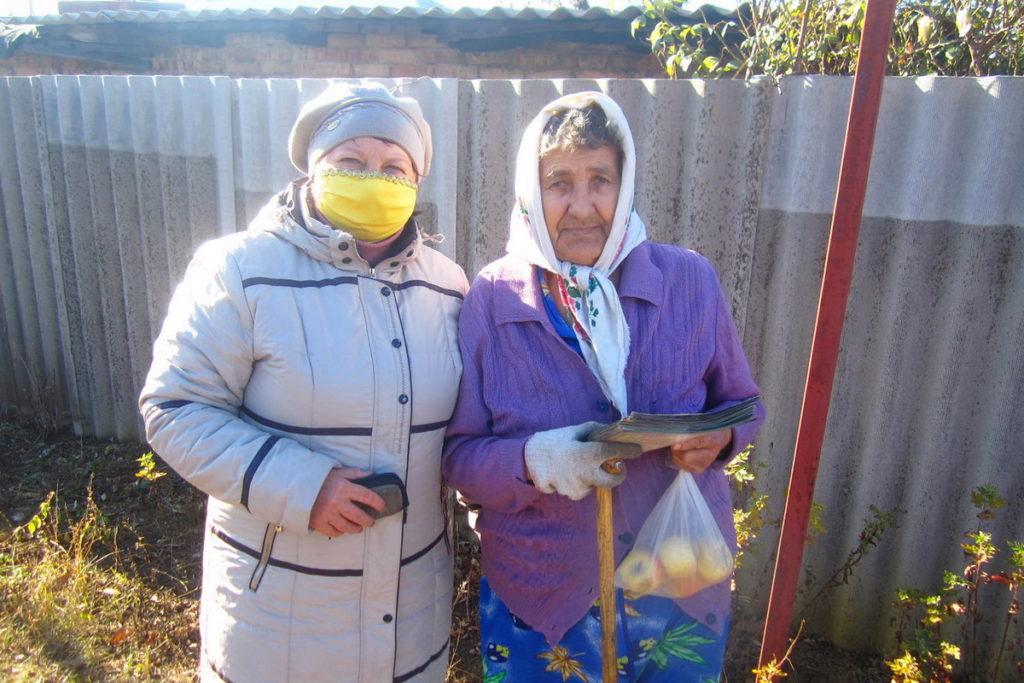 В посёлке Лотиково активисты посетили 16 одиноких жителей в рамках акции «Спеши творить добро»