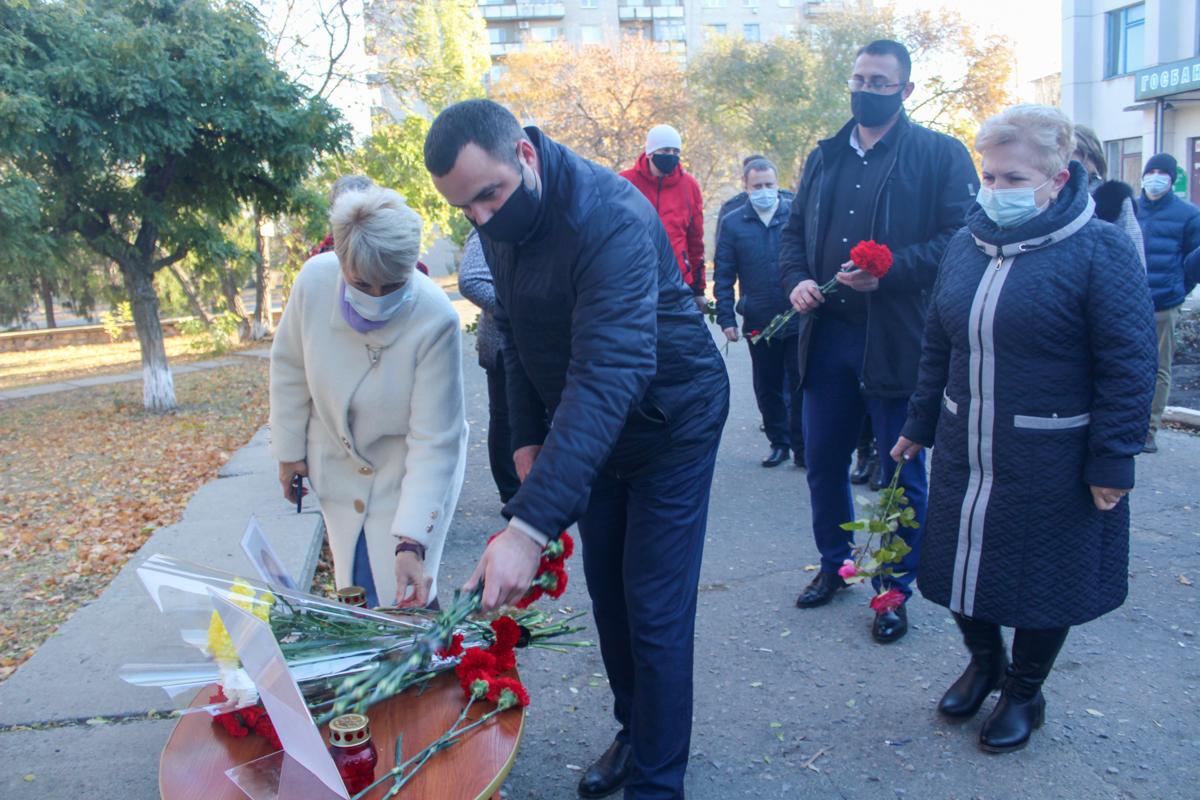 Славяносербские активисты почтили память жертв украинской агрессии