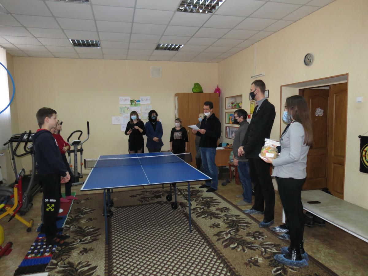 Краснодонские активисты проекта «Молодая Гвардия» приняли участие в организации турнира по теннису 2