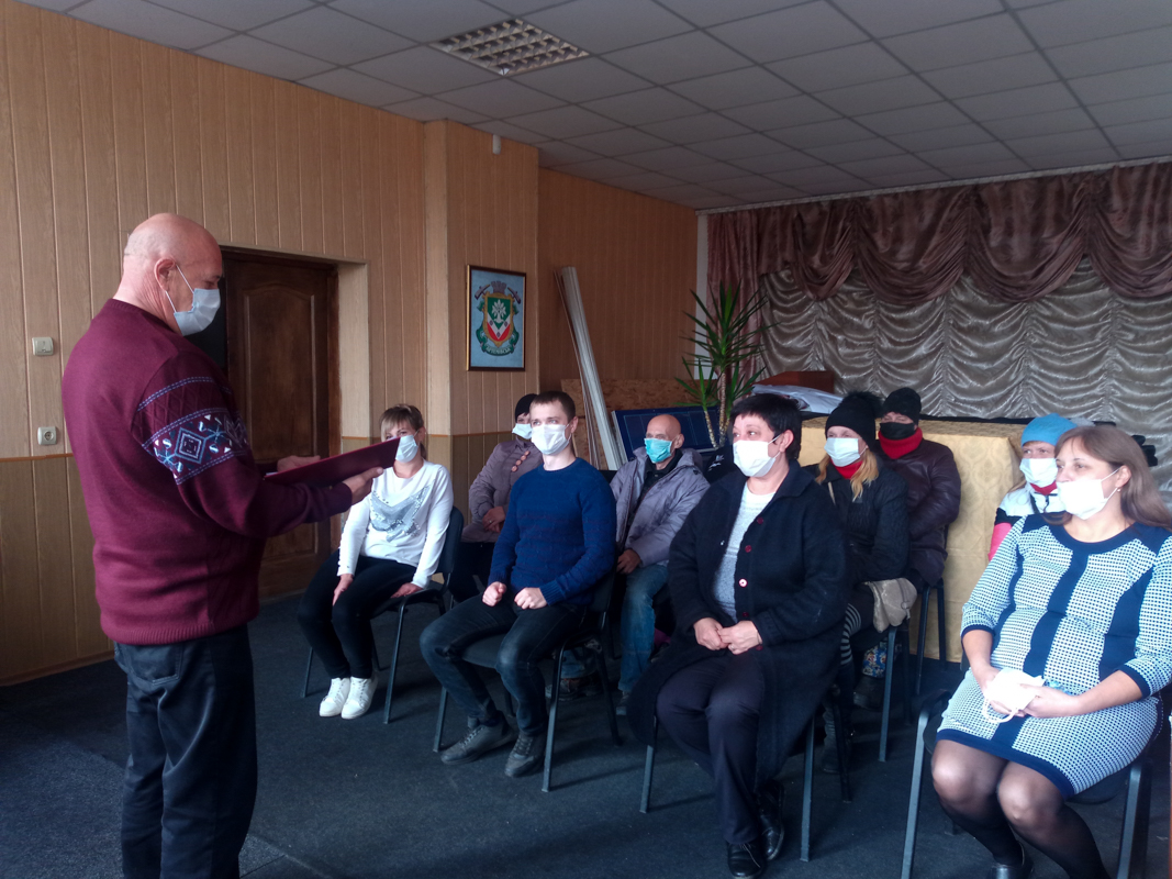 Активисты ОД «Мир Луганщине» провели патриотический час для жителей Артёмовска
