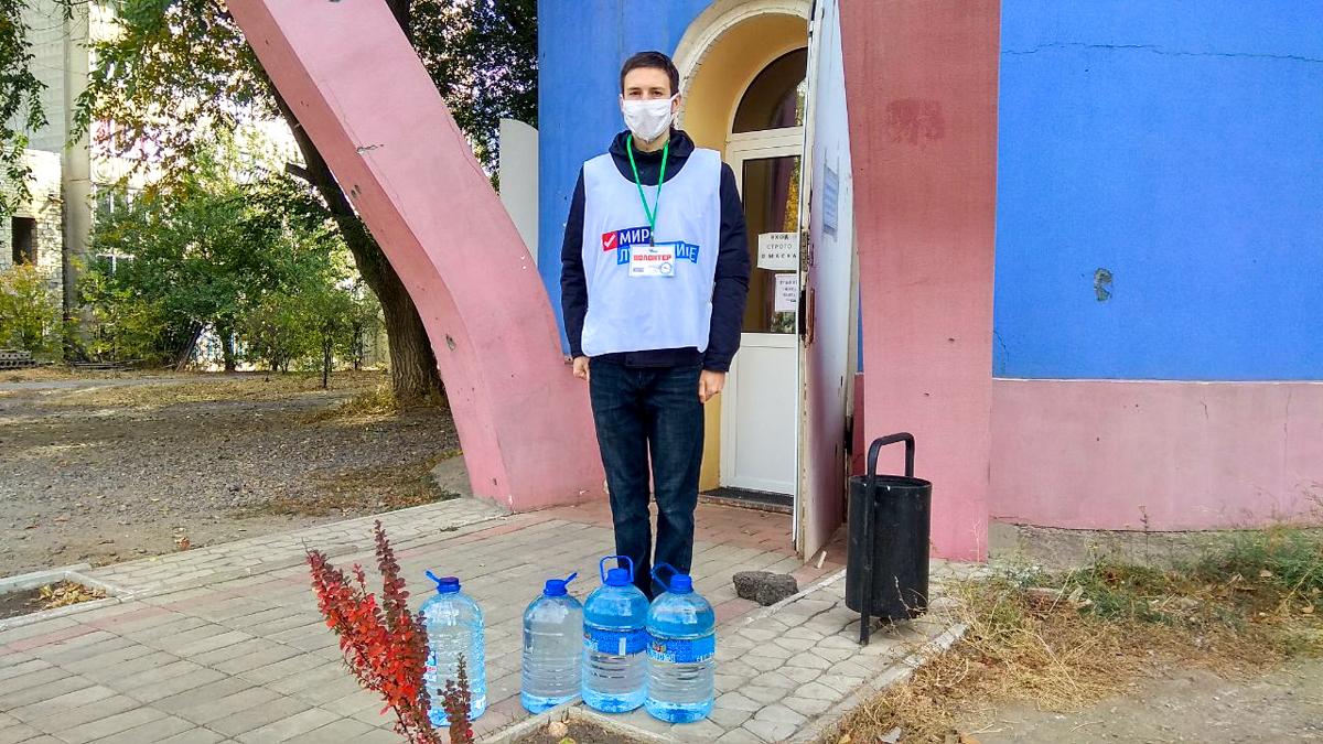 Волонтёры Первомайска помогли жительнице города 3