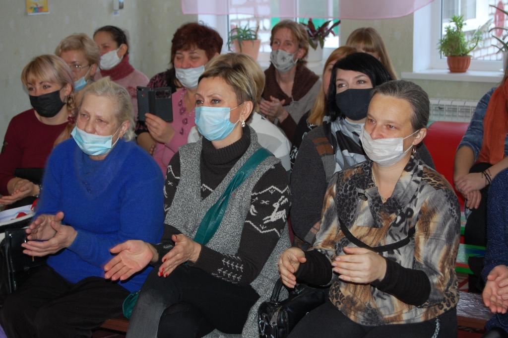 С Днём матери в Стаханове поздравили мам детей с особенными потребностями