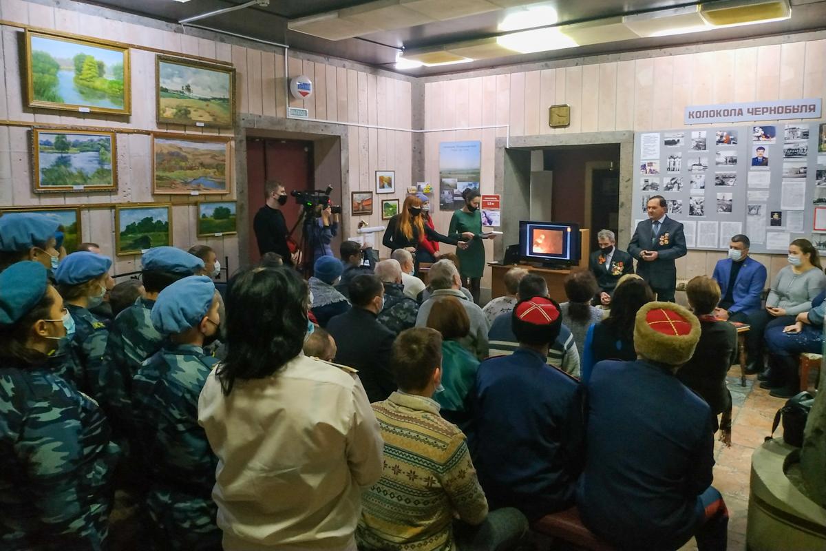 В Свердловске прошла встреча-беседа, приуроченная ко Дню чествования участников ликвидации последствий аварии на ЧАЭС 2