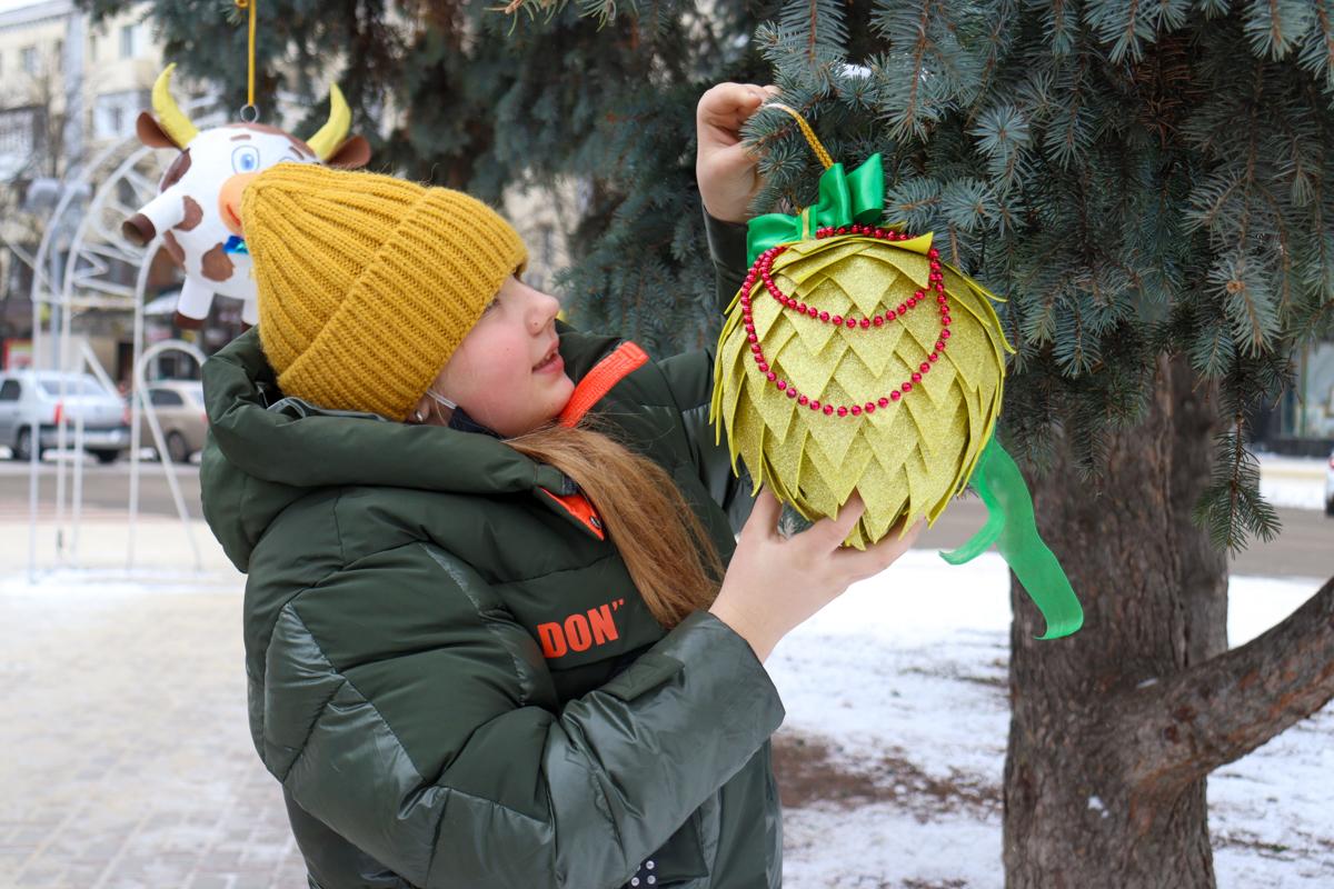 Итоги конкурса «Чудо новогодней игрушки» подвели в ЛНР 4