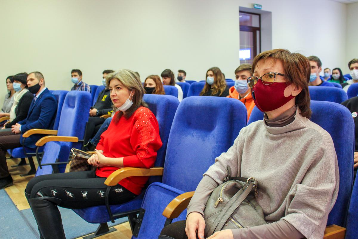 Луганских волонтёров поздравили с Международным днём добровольцев во имя экономического и социального развития волонтёров 2