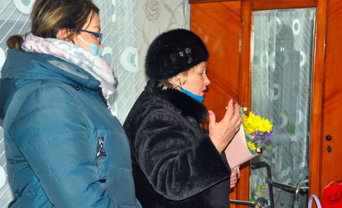 Депутаты и активисты ОД «Мир Луганщине» поздравили блокадников с 77-й годовщиной полного освобождения Ленинграда 11