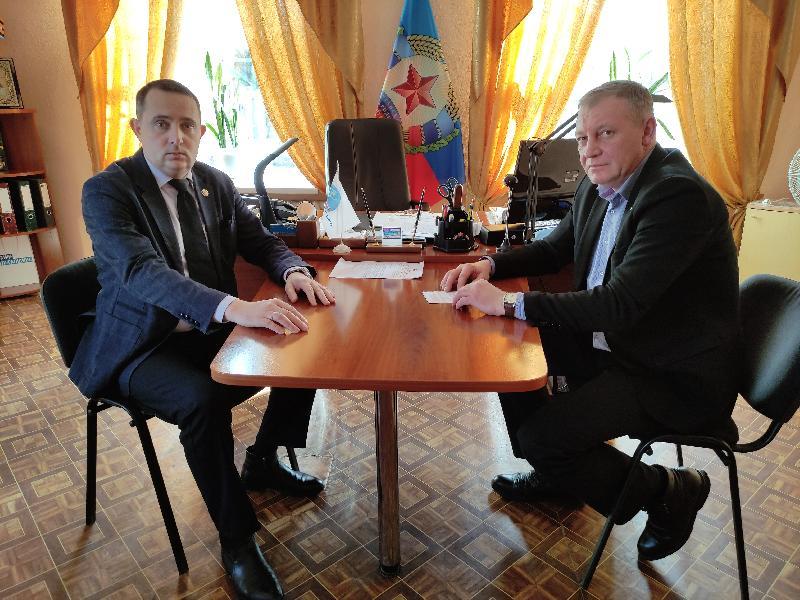 Депутат Андрей Губарев провел рабочую встречу с начальником управления по обеспечению жизнедеятельности города Алмазная