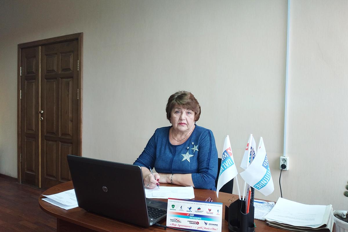 Депутат Елена Рахмукова помогла решить вопрос, волнующий жителей Антрацита