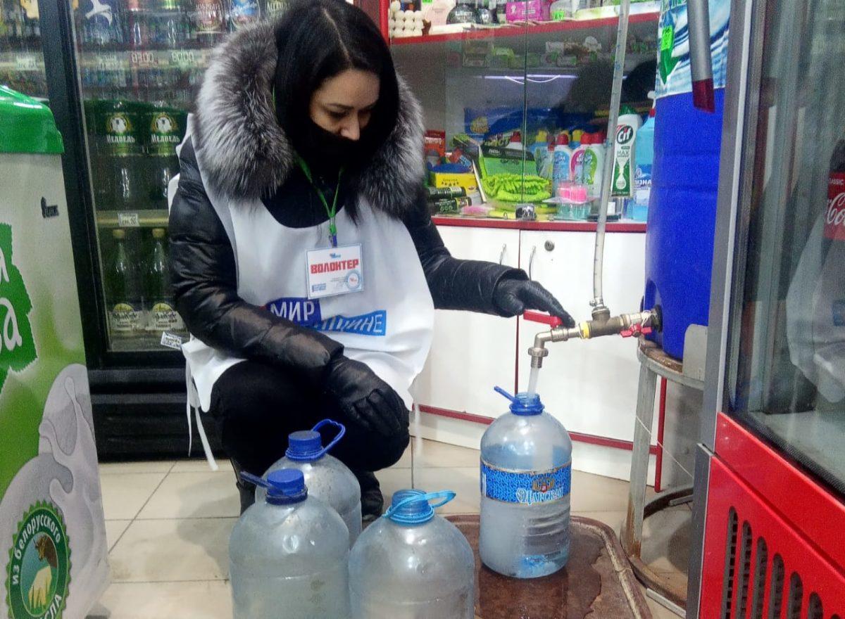 В рамках акции «Рука помощи» волонтеры Краснодона оказали помощь восьми жителям