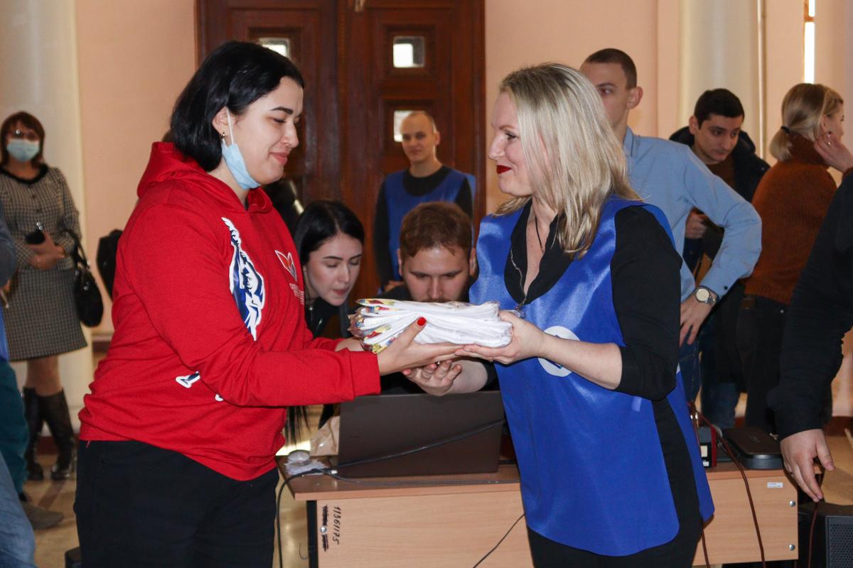 В Луганске отметили День студента 4