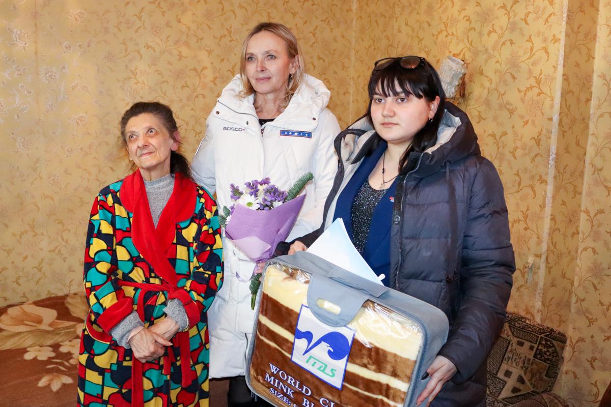 Депутаты и активисты ОД «Мир Луганщине» поздравили блокадников с 77-й годовщиной полного освобождения Ленинграда от фашистской блокады 4