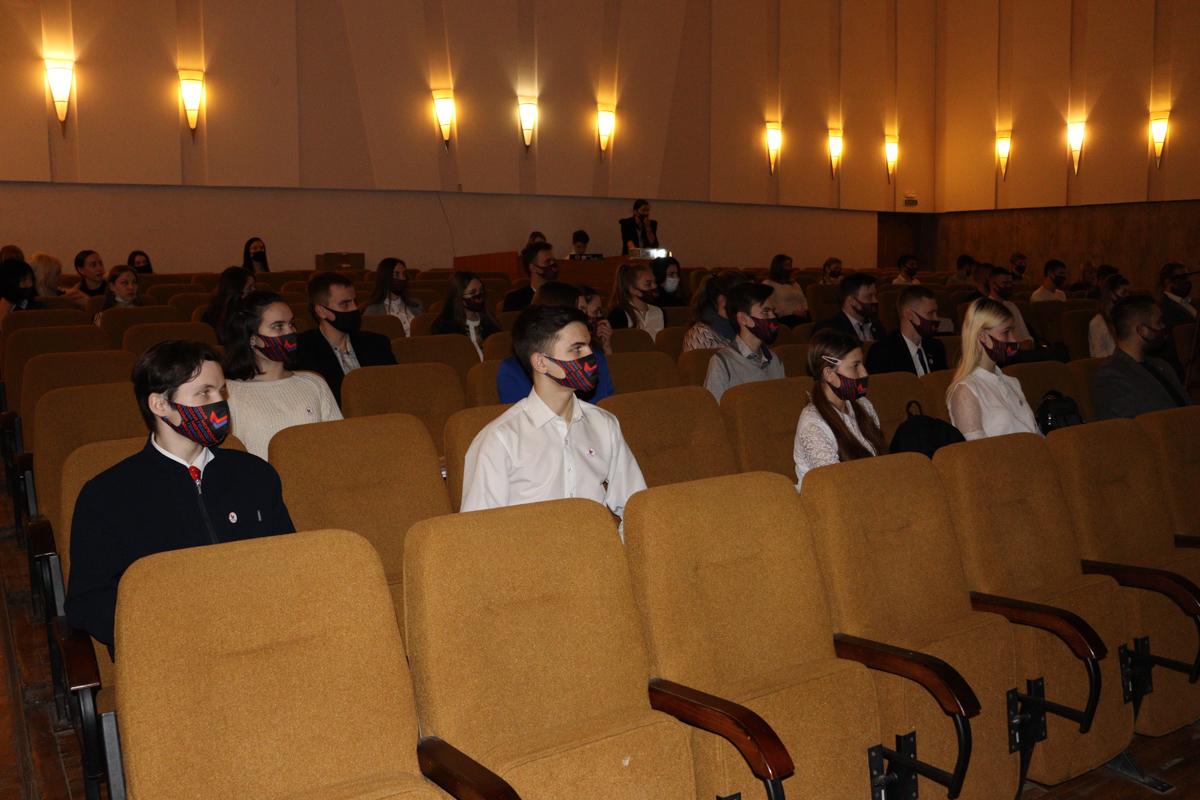 Съезд участников проекта «Молодая Гвардия» ОД «Мир Луганщине» прошёл в Краснодоне