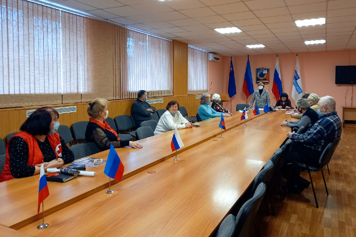 Руководитель Перевальского теротделения ОД «Мир Луганщине» встретилась с активистами проекта «Забота о ветеранах»
