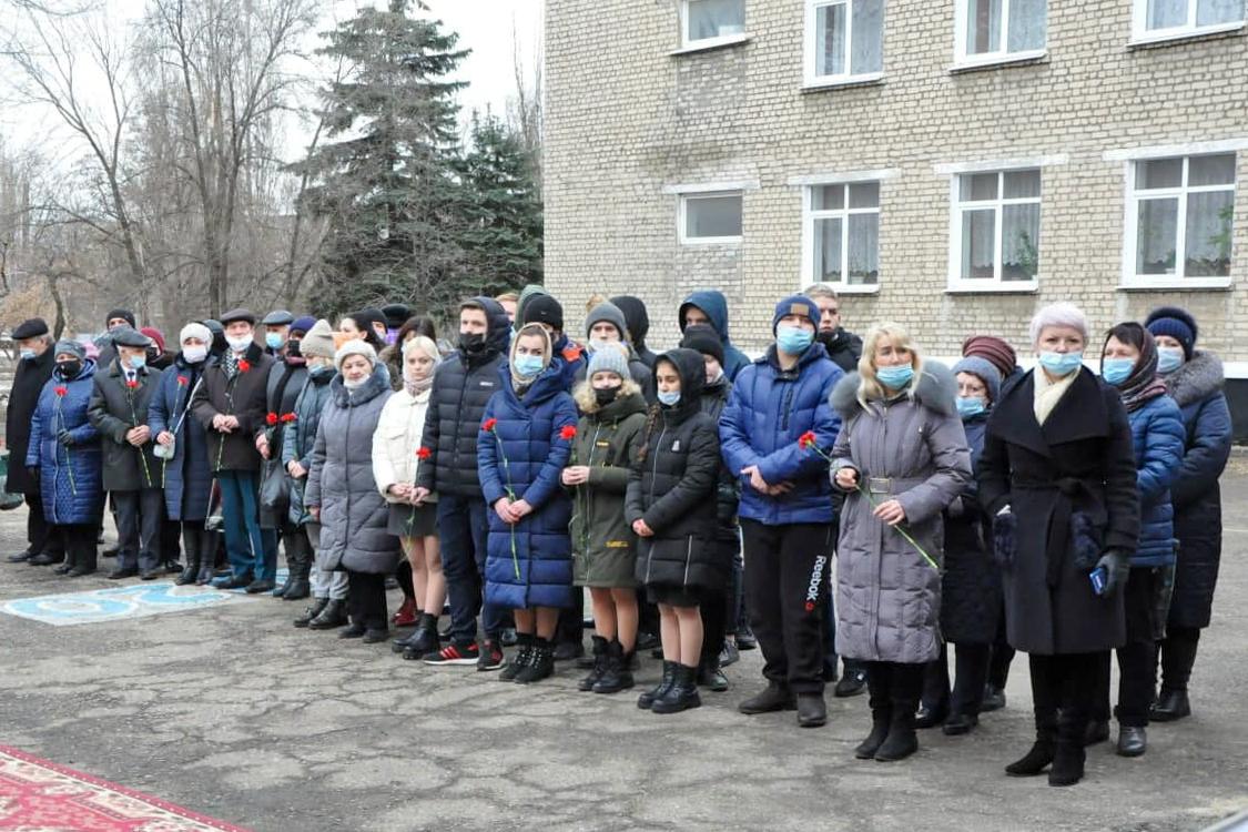 В Стаханове почтили память первого Главы ЛНР Валерия Болотова 2