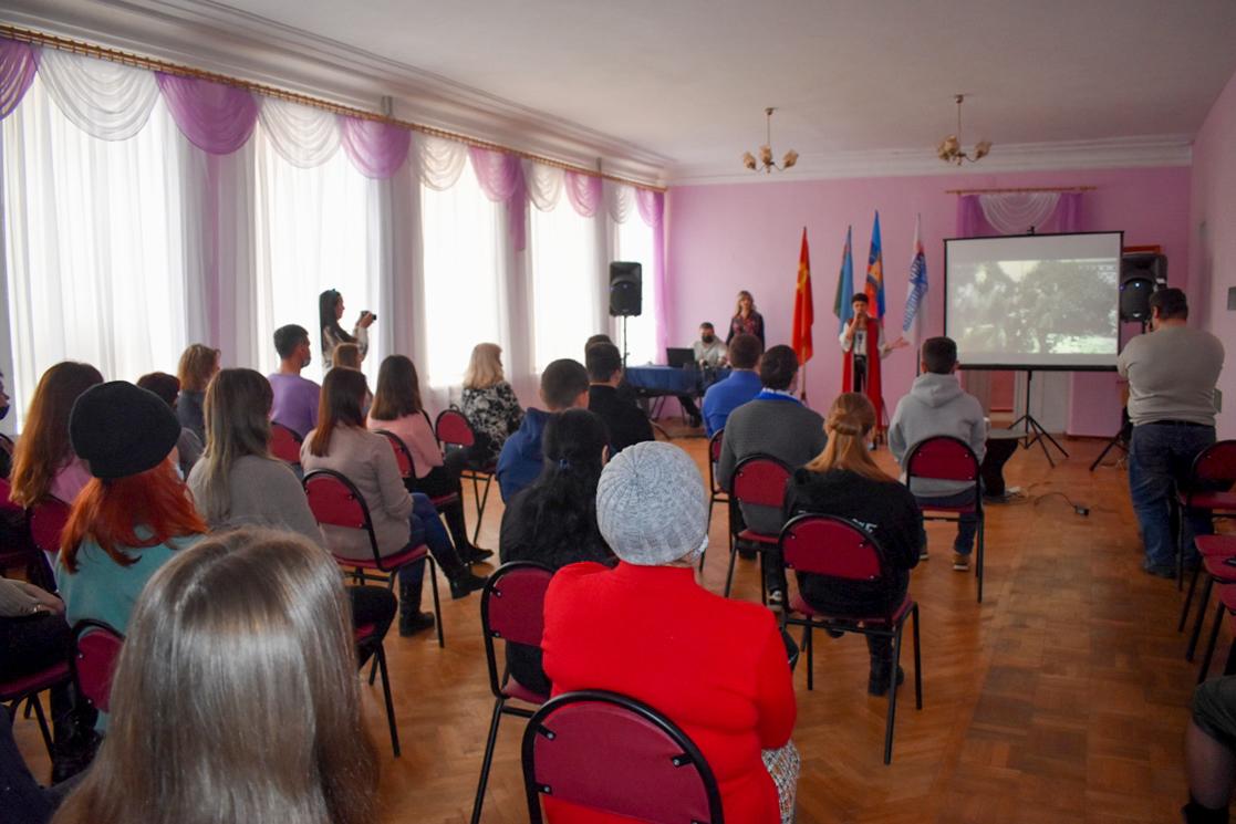 В городах ЛНР провели памятные мероприятия, посвящённые освобождению Ленинграда от блокады 10