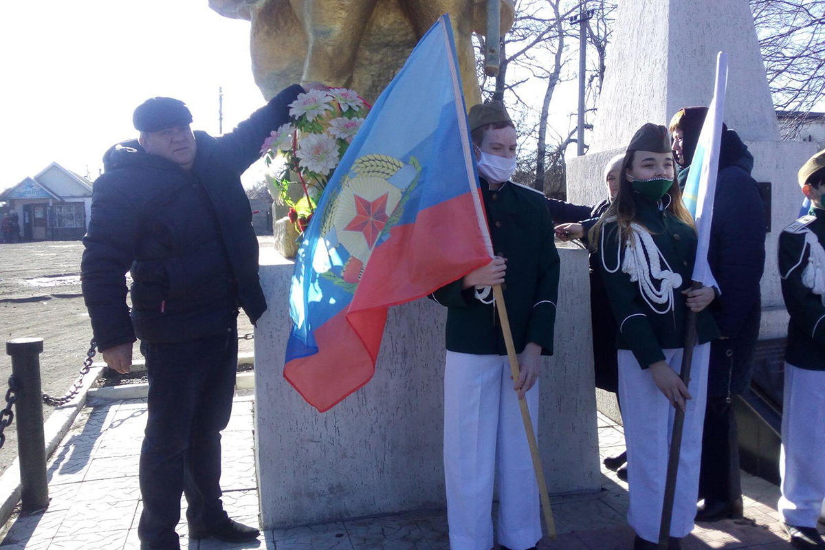 В посёлке Новодарьевка города Ровеньки почтили память павших героев Великой Отечественной войны 2