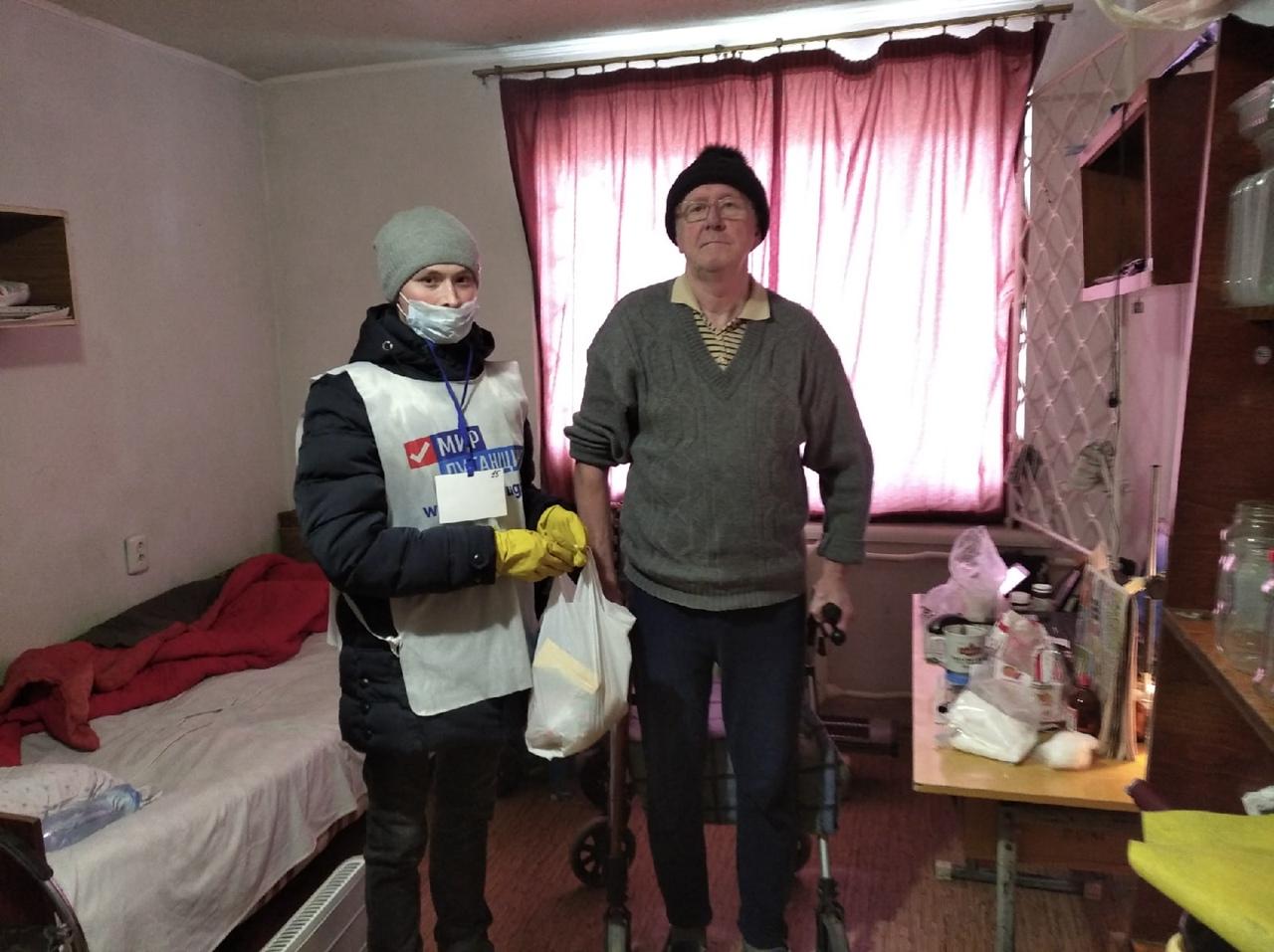 За неделю волонтёры акции «Рука помощи» помогли 45 жителям Республики