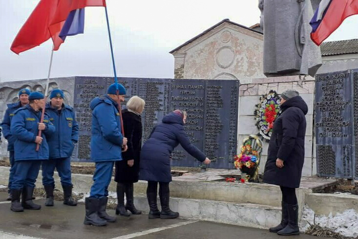 Активисты ОД «Мир Луганщине» провели митинги, приуроченные ко дню освобождения Краснодона от немецко-фашистских захватчиков 6