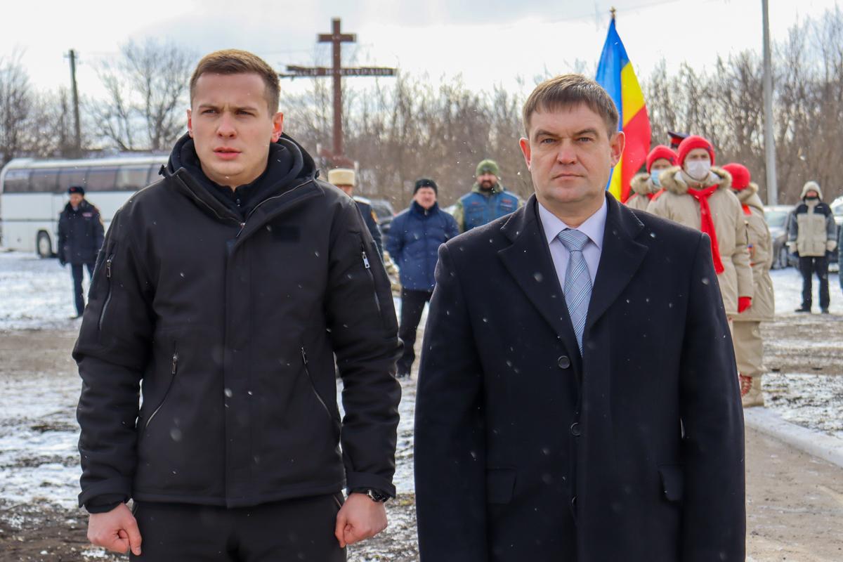 Жители ЛНР и ДНР приняли участие в митинге-реквиеме ко Дню окончания Чернухино-Дебальцевской операции