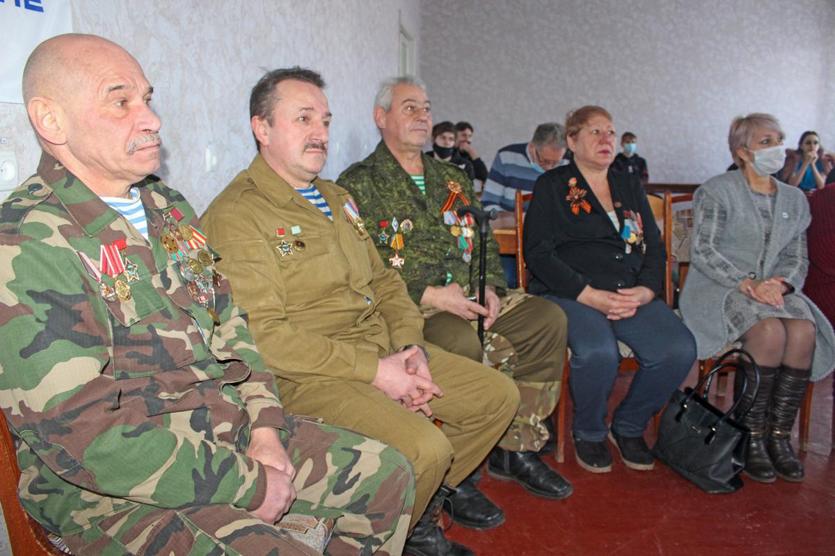 Встреча активистов проекта «Молодая Гвардия» с участниками Афганской войны состоялась в Славяносербском районе