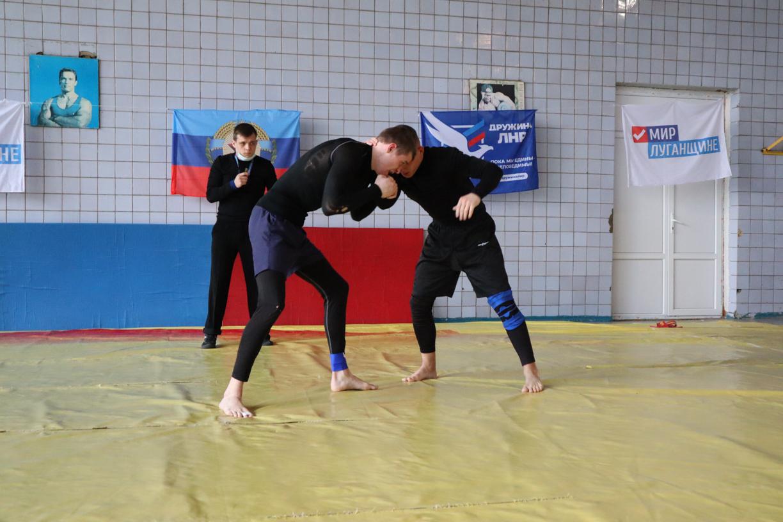 В ЛНР провели соревнование по борьбе – грэпплингу 1