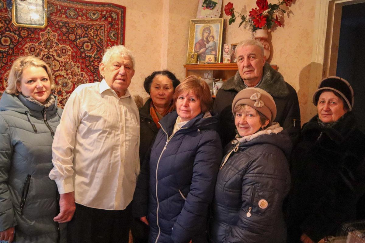 В Луганске с 95-летием поздравили ветерана Великой Отечественной войны