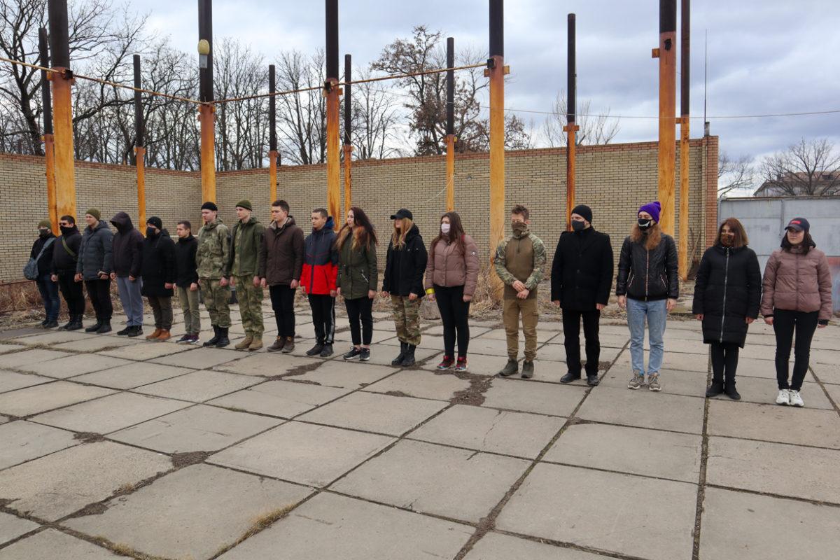 В Луганске отметили шестую годовщину создания Клуба начальной военной подготовки «Доброволец» 1